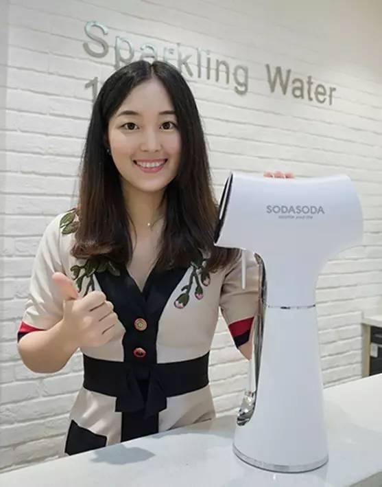 SODASODA气泡水机、正式签约健康管理顾问车金佳!