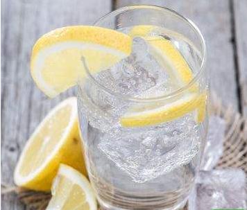 炎热的季节,喝什么水好呢?气泡水是什么?