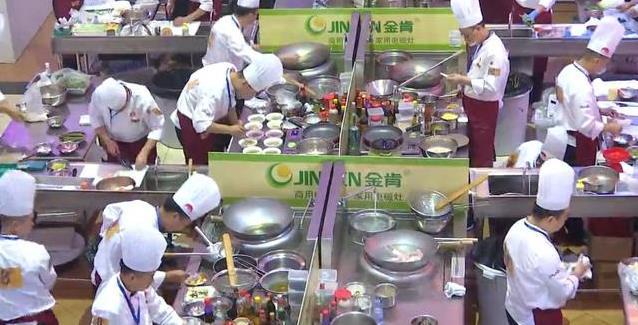 世界《厨王争霸》:SODASODA气泡水机助力,带你体验舌尖饕餮盛宴!